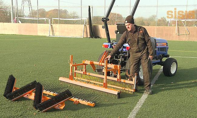 SISIS Twinplay for synthetic turf maintenance